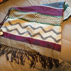 NWT!!  Eddie Bauer blanket scarf